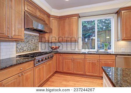 Luxury Kitchen Fitted With Viking Appliances.