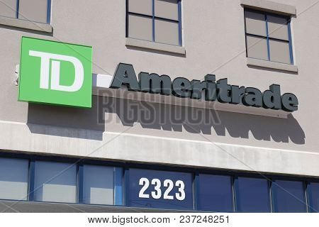 Dayton - Circa April 2018: Ameritrade Local Branch Office. Td Ameritrade In An Online Broker Of Stoc
