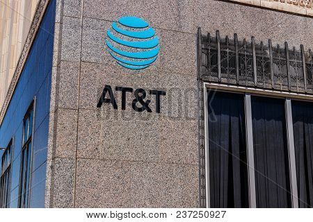 Dayton - Circa April 2018: At&t Downtown Office. At&t Now Offers Iptv, Voip, Cell Phones And Directv