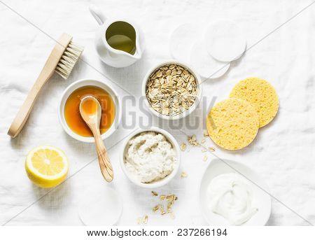 Natural Moisturizing, Nourishing, Cleansing Face Mask - Coconut Oil, Oatmeal, Natural Yogurt, Vitami