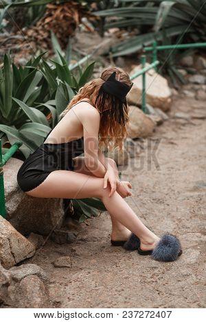Sexy Young Beautiful Model Pin Up Girl In Black Sexy Elegant Lingerie Bikini Underwear Thong Black S