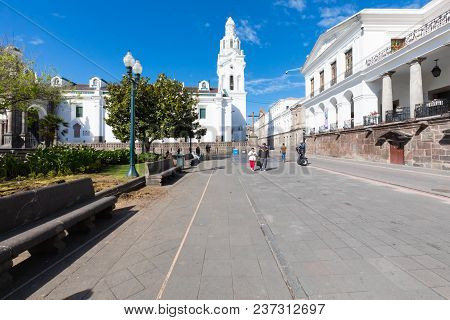 Quito Ecuador April 2018 This Is Large Square Park In Quito. The Nicest Square Known For Its Park We