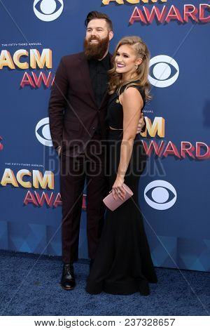 LAS VEGAS - APR 15:  Jordan Davis, Kristen O'Connor at the Academy of Country Music Awards 2018 at MGM Grand Garden Arena on April 15, 2018 in Las Vegas, NV