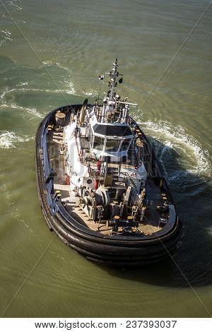 Tugboat Maneuvering In Atlantic Pacific, Panama Canal,