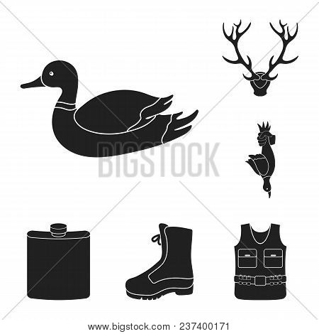 Hunting And Trophy Black Icons In Set Collection For Design. Hunting And Equipment Vector Symbol Sto