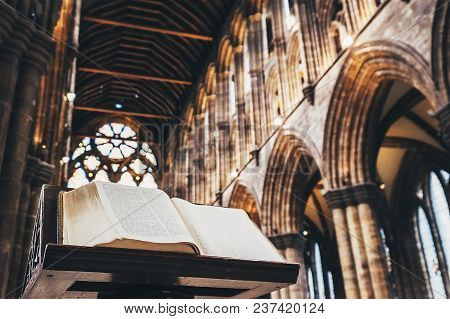 Glasgow, Scotland, Uk - March 13, 2018: The Bible Book In The Main Hall Of Glasgow Cathedral In Glas
