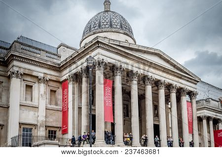 Ondon, Uk - May 21, 2016: Tourists Visiting The National Gallery, A View From Trafalgar Square, Lond