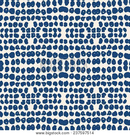 Ivory White Dot Pattern. Vector Shibori Spotty Seamless Print. Organic Hipster Watercolor Background