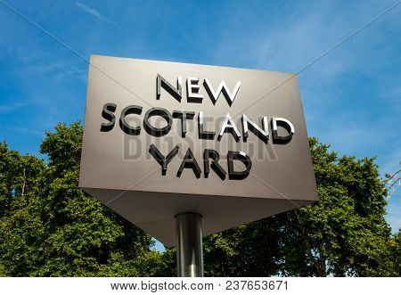 London, United Kingdom - August 28, 2017 - The New Scotland Yard Sign For The Headquarters Of The Me