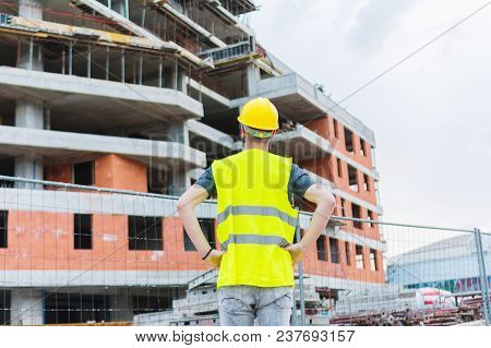 Building Construciton Worker Enginneer