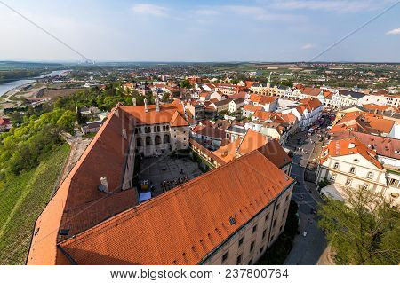 The Town Of Melnik Is Located In The Central Bohemian Region 30 Km North Of Prague.