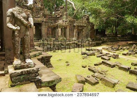 Siem Reap, Cambodia - August 09, 2008: Exterior Of The Ruins Of The Preah Khan Temple With The Behea