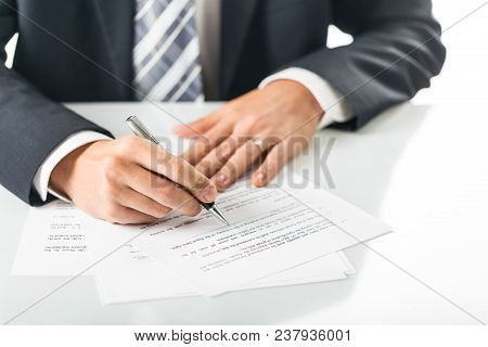 Document Business Contract Business Contract Signature Deal Writing