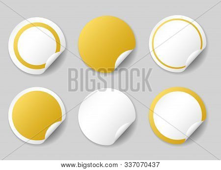 Gold Circle Price Tags. Blank Round Gold Sticky Notes, Empty Glossy Yellow Price Labels Isolated On
