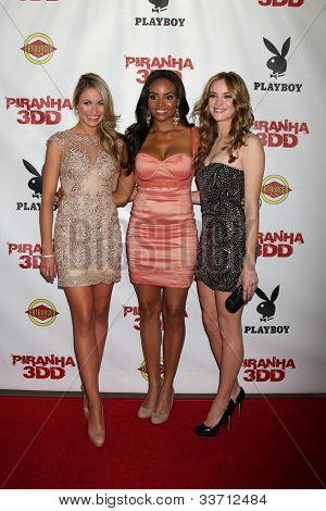 LOS ANGELES - MAY 29:  Katrina Bowden, Meagan Tandy, Danielle Panabaker arrives at the