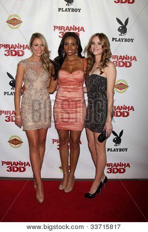 LOS ANGELES - MAY 29:  Katrina Bowden, Meagan Tandy, Danielle Panabaker arrives at the