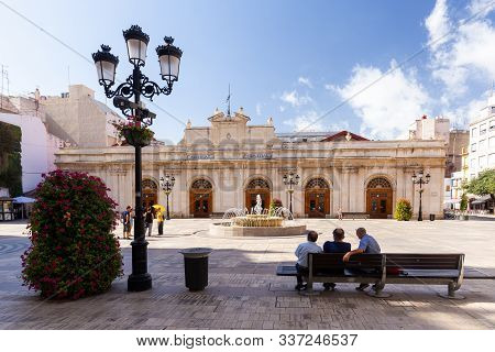 Mercat Central De Castello, Castellon De La Plana, Spain - 2019.08.10. Seniors Sitting On Bench In S