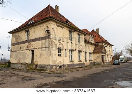 Czarnkow, Wielkopolskie / Poland – December, 03, 2019: Old Train Station Building In A Small Town. B