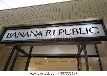 Honolulu - November 20, 2014: Banana Republic Sign.   Banana Republic Is An American Premium Clothin