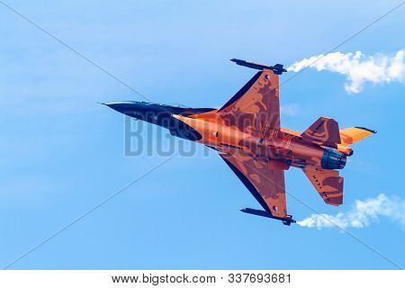 Cadiz, Spain-sep 09:  Aircraft F-16 Demo Team Taking Part In An Exhibition On The 5th Airshow Of Cad