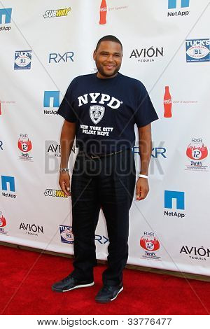 NEW YORK-MAY 31: Actor Anthony Anderson attends the 4th annual Tuck�s Celebrity Billiards Tournament at Slate on May 31, 2012 in New York City.