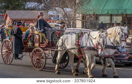 Clinton, Nj, Usa.  - Nov. 30, 2019. Christmas Decorated Carriage Ride In The Dickens Days Event In C