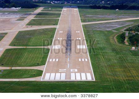 Runway Final Approach