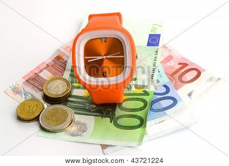 Wristlet Watch With Banknote And Coins