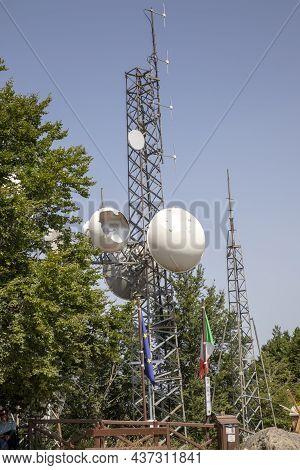Monte Amiata (si), Italy - August 01, 2021: Antenna On The Top Of Monte Amiata (1738 Mt), Tuscany, I