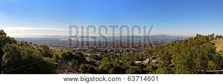 Panoramic View Of The San Francisco Bay From The Lawrence Hall Of Science In Berkeley, California