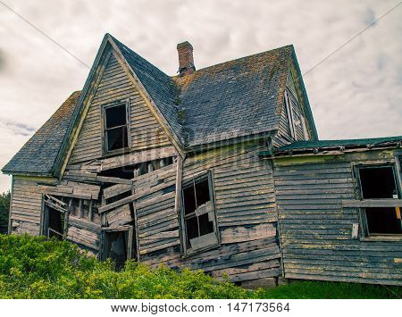 Old abandon wooden house in rural prince edward island