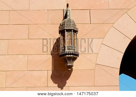 In Oman Old Streetlamp In The Wall