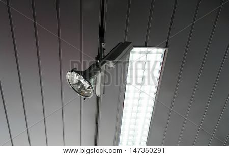 Rolling spotlight system and plafond light on the studio ceiling