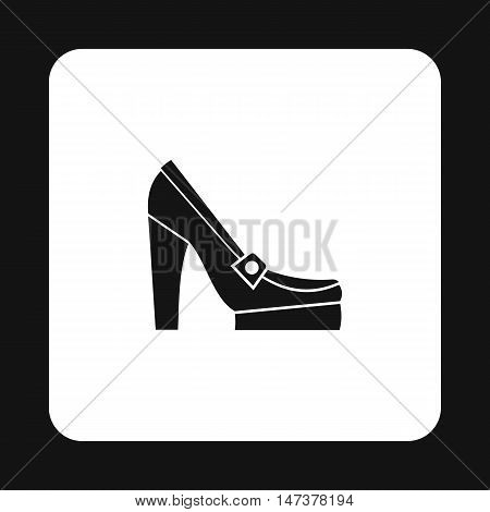 Womens shoes on platform icon in simple style isolated on white background. Wear symbol vector illustration