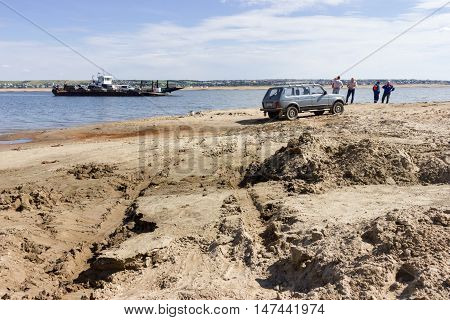 Bad Sandy Road To Ferryboat