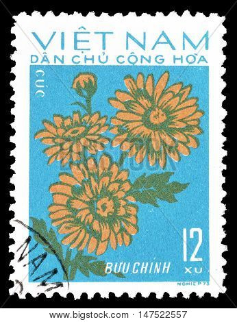 VIETNAM - CIRCA 1974 : Cancelled postage stamp printed by Vietnam, that shows flowers.