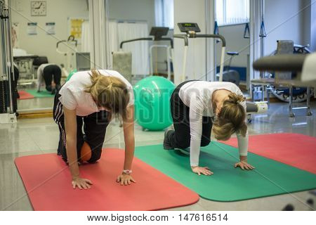 Physiotherapy exercises healthy care active body training 6