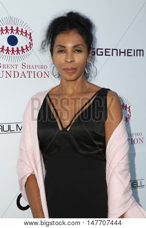 LOS ANGELES - SEP 17:  Khandi Alexander at the Brent Shapiro Foundation for Alcohol and Drug Prevention at the Private Residence on September 17, 2016 in Beverly Hills, CA