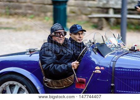 Editorial,16 September 2016: France: Xxxiii Festival Enthousiastes Bugatti In Molsheim. Elegant Retr