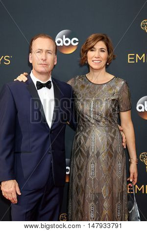 LOS ANGELES - SEP 18:  Bob Odenkirk, Naomi Odenkirk at the 2016 Primetime Emmy Awards - Arrivals at the Microsoft Theater on September 18, 2016 in Los Angeles, CA