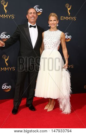 LOS ANGELES - SEP 18:  Jerry Seinfeld, Jessica Seinfeld at the 2016 Primetime Emmy Awards - Arrivals at the Microsoft Theater on September 18, 2016 in Los Angeles, CA