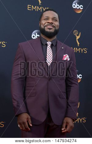LOS ANGELES - SEP 18:  Malcolm-Jamal Warner at the 2016 Primetime Emmy Awards - Arrivals at the Microsoft Theater on September 18, 2016 in Los Angeles, CA