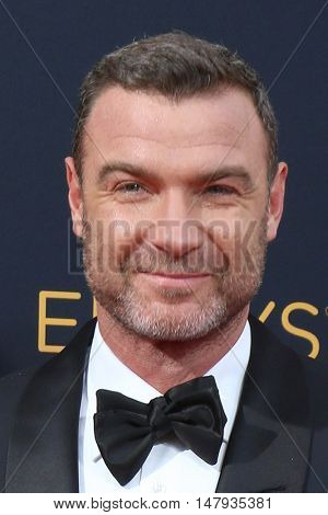 LOS ANGELES - SEP 18:  Liev Schreiber, son at the 2016 Primetime Emmy Awards - Arrivals at the Microsoft Theater on September 18, 2016 in Los Angeles, CA