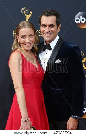LOS ANGELES - SEP 18:  Holly Burrell, Ty Burrell at the 2016 Primetime Emmy Awards - Arrivals at the Microsoft Theater on September 18, 2016 in Los Angeles, CA