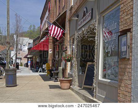 Saluda, North Carolina - Usa - April 13, 2018: Downtown Main Street Of Saluda, North Carolina, A Sma