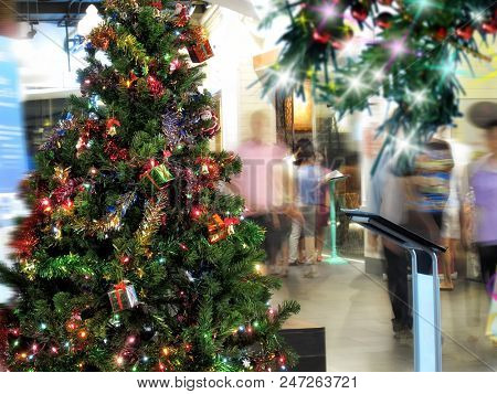 an image of people at shopping and Christmas-tree