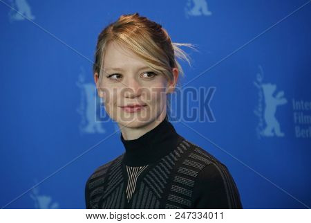 Mia Wasikowska poses at the 'Damsel' photo call during the 68th Berlinale International Film Festival Berlin at Grand Hyatt Hotel on February 16, 2018 in Berlin, Germany.