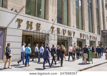 New York, Usa - May 8, 2018: White Collar Workers Outside The Trump Building At Wall Street. This Bu