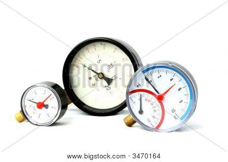 Pressure Meters Isolated