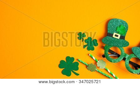 St Patricks Day Banner With Shamrock Leaf Clovers, Saint Patrick's Day Party Glasses And Drinking St